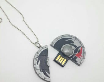 How to Train your Dragon Sheild USB Necklace