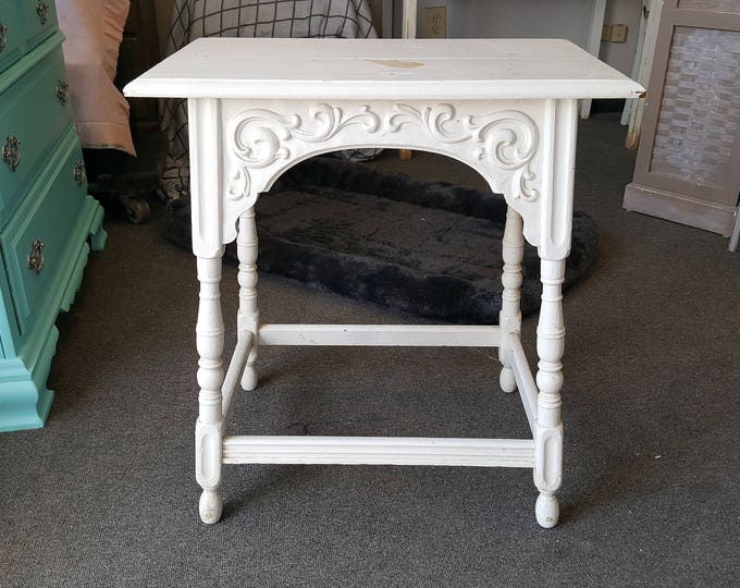 Vintage Farmhouse Shabby chic table, PICK UP ONLY painting incl. rustic country bedroom, night stand, bedside table, french country, cottage