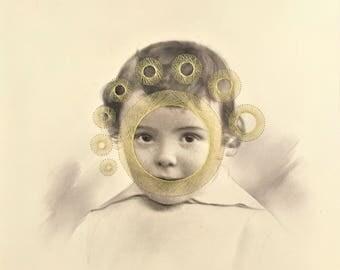 français antique portrait enfant  brodée au fil doré  string art