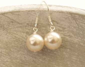 Round Pearl Bridal Earrings