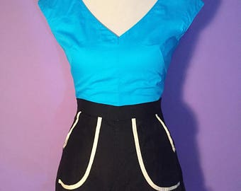 1950s turquoise cotton V neck top