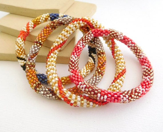 Set Of 4 Retro Vintage Red Blue White Gold Glass Seed Bead Layered Stack Bracelets HH26