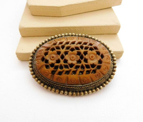 Vintage Large Carved Caramel Brown Celluloid Flower Beaded Metal Brooch Pin QQ4