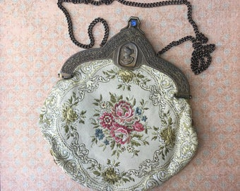 Beautiful Victorian Styled 1960's Evening Bag by Carpetbags of America