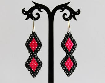 Earrings neon pink and black