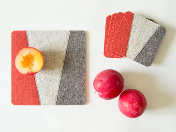 Felt trivet / grey and orange / square trivet / decorative mat / geometric / home decor / wool felt / handmade in Italy