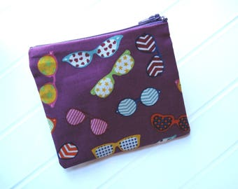 Small clutch bag with Sunglasses