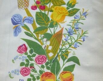 Vintage Swedish hand printed table runner - Gocken Jobs - Summer flowers - Jobs hand print Leksand