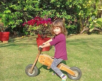 Wood balance bike / Toddlers bike / wood bike / Toddler gift / Balance bike for small kids