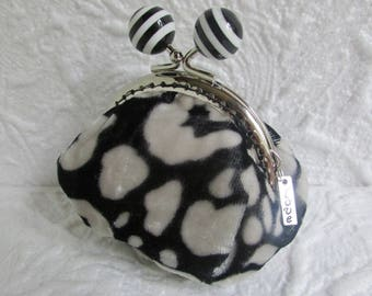 80B - Coin purse - Fabric with Metal Frame, handmade, wallet