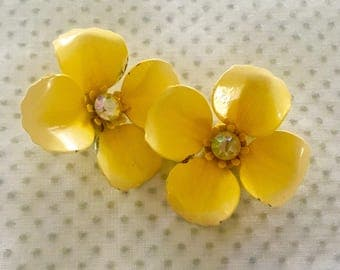Vintage Retro 1960's Mod Yellow Flower Clip On Rhinestone Center Earrings