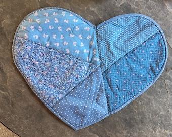 Vintage COUNTRY Blue Floral PATCHWORK HEART Placemat / 80s Pale Blue Reversible Heart Dresser Mat