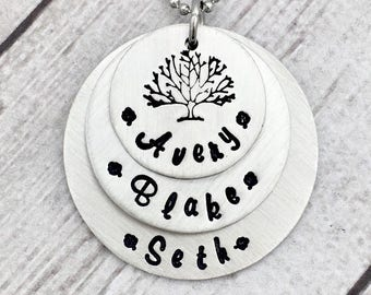Family Tree Necklace - Christmas Gift for Mom - Mom Necklace - Kids Names - Mommy Necklace - Grandma Necklace - Personalized Necklace