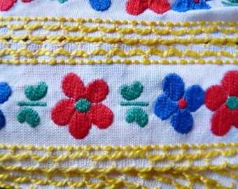 COTTON LACE EMBROIDERED TRIM DOUBLE PRONGS