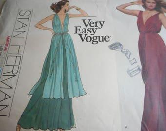 Vintage 1970's Vogue 1774 American Designer Goddess Gown Sewing Pattern Size 12 Bust 34