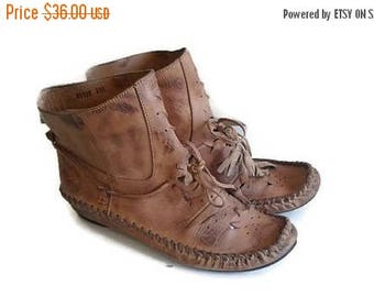 SALE Brown moccasins ankle boots with fringe lace ups 6.5 7