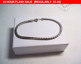 Vintage silver tone bracelet, fashion bracelet
