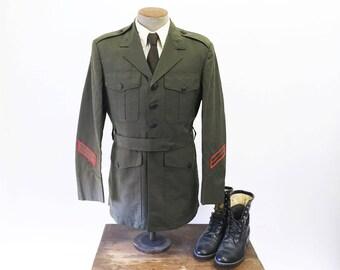 Vintage United States Marine Corps Green Military Dress Uniform Jacket Mens Poly/Wool Tropical USMC Jacket - Size 40 R (MEDIUM)