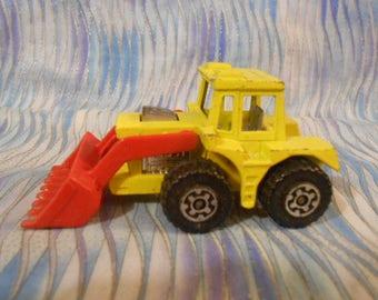 Matchbox Lesney #29 Shovel Tractor – 1976 -