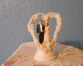 Vintage wedding cake topper, Bride and groom, Wedding supplies, Bridal showers, Anniversary cakes, Retro weddings, Props, Staging