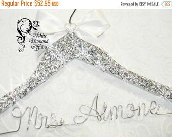SUMMER SALE BLING Wedding Hanger Crystal, Personalized 1-line Custom Wedding Hanger Wire, Personalized Hanger, Wire Crystal Rhinestone Valen