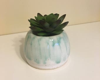Small Pot // Succulent Holder // Small Planter