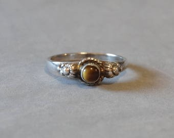 Vintage Tigers Eye Ring Sterling Silver Band Size 7.5