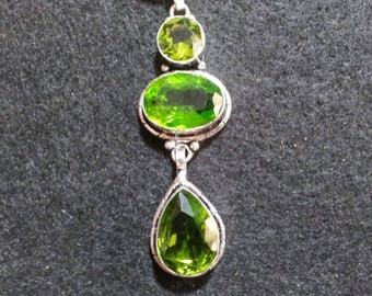Peridot Crystal Necklace + Free Shipping Worldwide, Peridot jewelry, crystal jewelry, Green Crystal Peridot Necklace
