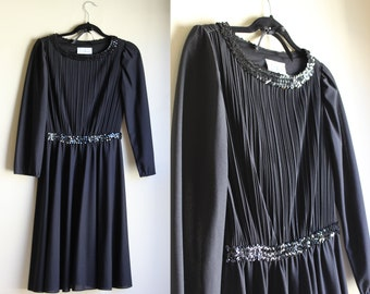 Simply Dazzling Black Dress ||| 1970s ||| Medium ||| Flexible Fit