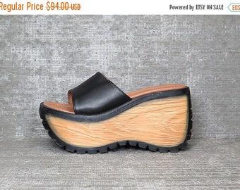 40OFF Vtg 90s Black Leather Platform Sandals Slipers 6.5