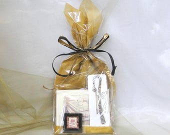 Book Lover Gift Pack - Books with Glasses Note Cards, Book Bookmark, Vintage Books with Glasses Stamp Magnet