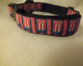 "Stoke City FC pet collar - fits 12.5"" to 20"""
