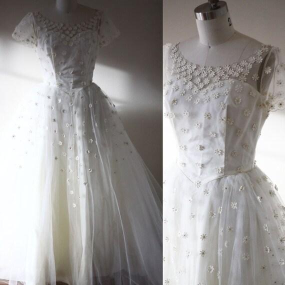1960s daisy wedding dress  // 1960s wedding dress // vintage bridal dress