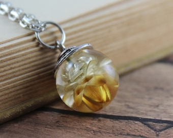 Small Strawflower Necklace