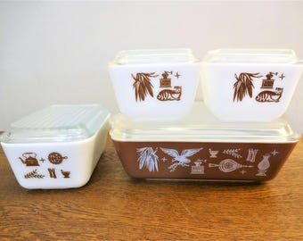 Vintage Pyrex Early American Refrigerator Dish Set - Set of 4 Dishes with Lids -  500 Series