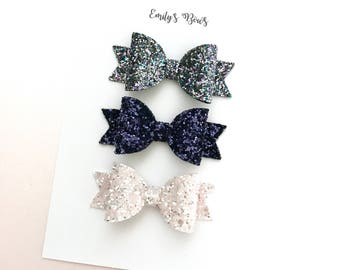 Set of 3 small glitter hair bows on crocodile clips. Baby / Toddler bows. Girls hair clips. Set of 3 tiny glitter bows