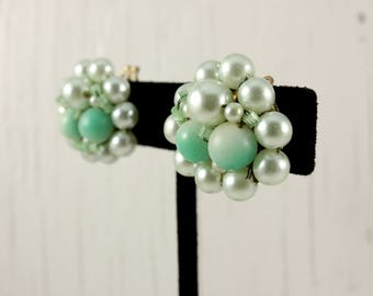 Vintage Japan Light Green Aqua Cluster Bead Clip Earrings (retro 50s 60s pin up plastic pinup round spring summer easter pastel)