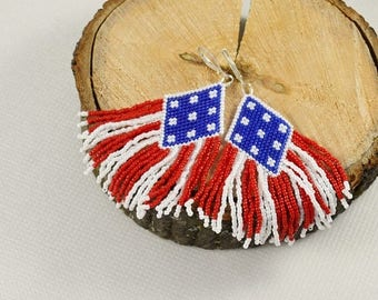 Christmasinjuly Flag earrings 4th July Native American Red blue white Fringe earrings Beaded earrings Patriotic earrings Seed bead earrings