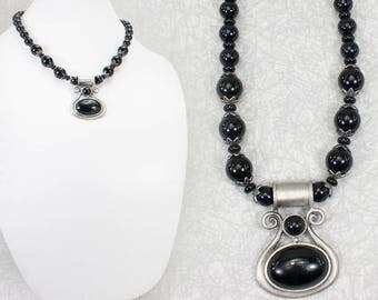 Black Lyre Pendant Necklace / Chunky Necklace / Black Short Necklace