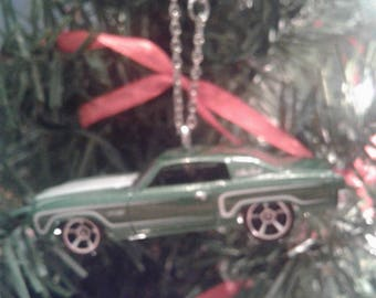 Hot Wheels Christmas Ornament 1970 Chevy Monte Carlo Green and White Striping Chevrolet Tree Decoration Classic Car Stocking Stuffer