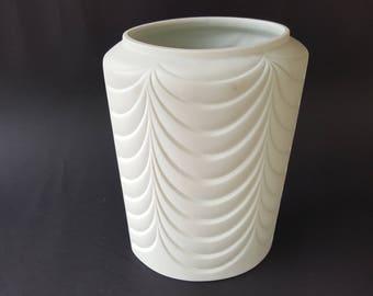 König Tettau Porcelain Kerafina Op Art vase