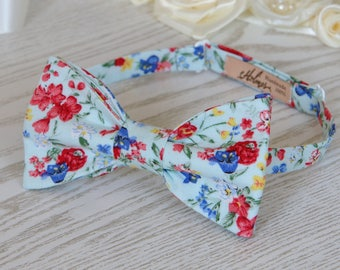 Bow Tie Floral Pale Light Mint (SELF TIE)   Bow Tie Pastel Green   Classic Bow Tie  Wedding Bow Tie