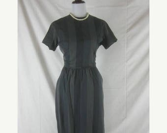 Summer sale Vtg 50s 60s Grey Womens Vintage Striped Cotton House Day Dress W 26