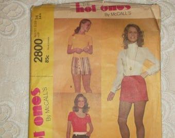 BACK TO SCHOOL Vintage 70's Hot Pants Shorts Short Shorts Pattern sz 24 Waist
