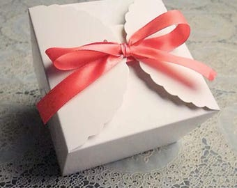 25x White Paper Boxes | Bomboniere Favour Box | Wedding & Party Christmas Gift Box for Chocolate Bakery Cookie Candy 9x9x6