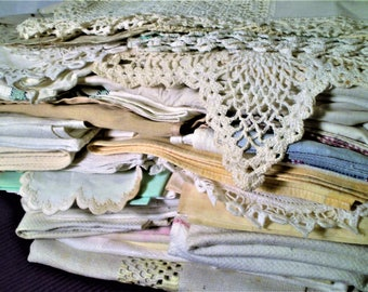 ANTIQUE LINENS LOT For Cutter 48 Pcs Vintage Doilies Runners Embroidery Crochet Lace Napkins For Shabby Cottage Decor Craft Quilts Sewing