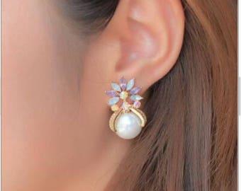 Pearl Rhinestone Earrings Bridal Earrings Pearl Earrings Studs Pearl Earrings.