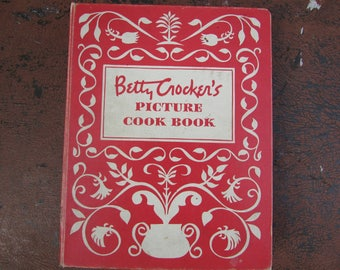 Betty Crocker's Picture Cook Book. 1950 Red and White Decorated Boards 5-Ring Binder.  NICE Condition! First Edition, Third Printing.