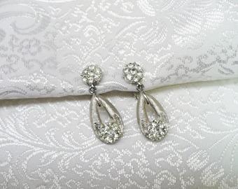 Pair of Vintage Signed TRIFARI Rhinestone Earrings - brushed silver tone metal - clip on style - vintage bridal - Bridesmaid gift - Formal