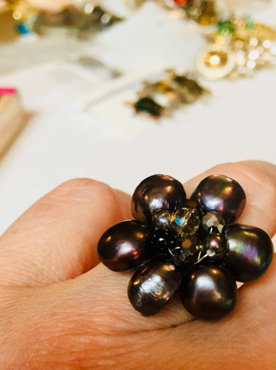 Bling Treat! 10 Dollar Bling goodie this one is a Vintage Black Water Pearl Adjustable Ring A Great Treat Feel Good Gift